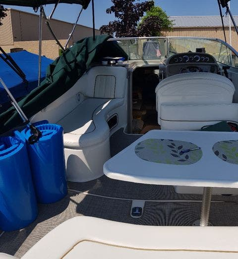 2000 Sea Ray boat for sale, model of the boat is 270 SUNDANCER & Image # 4 of 16