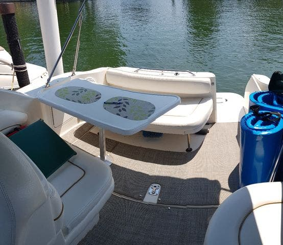 2000 Sea Ray boat for sale, model of the boat is 270 SUNDANCER & Image # 5 of 16