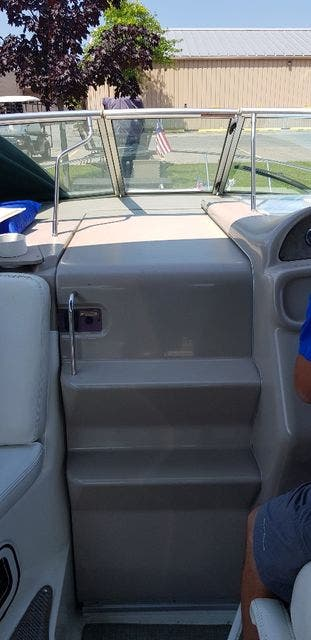 2000 Sea Ray boat for sale, model of the boat is 270 SUNDANCER & Image # 8 of 16