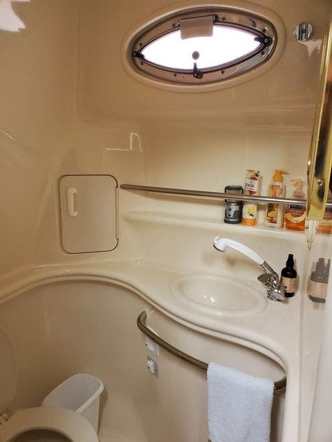 2000 Sea Ray boat for sale, model of the boat is 340DA & Image # 41 of 46