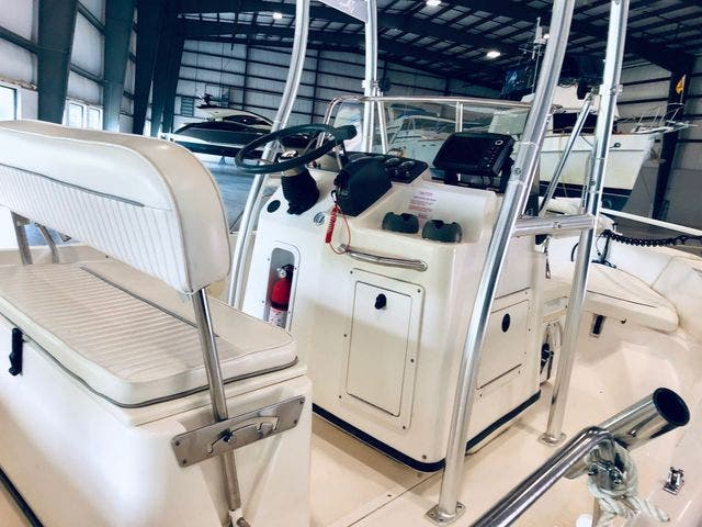 2001 Boston Whaler boat for sale, model of the boat is 18DAUNTLESS & Image # 9 of 29