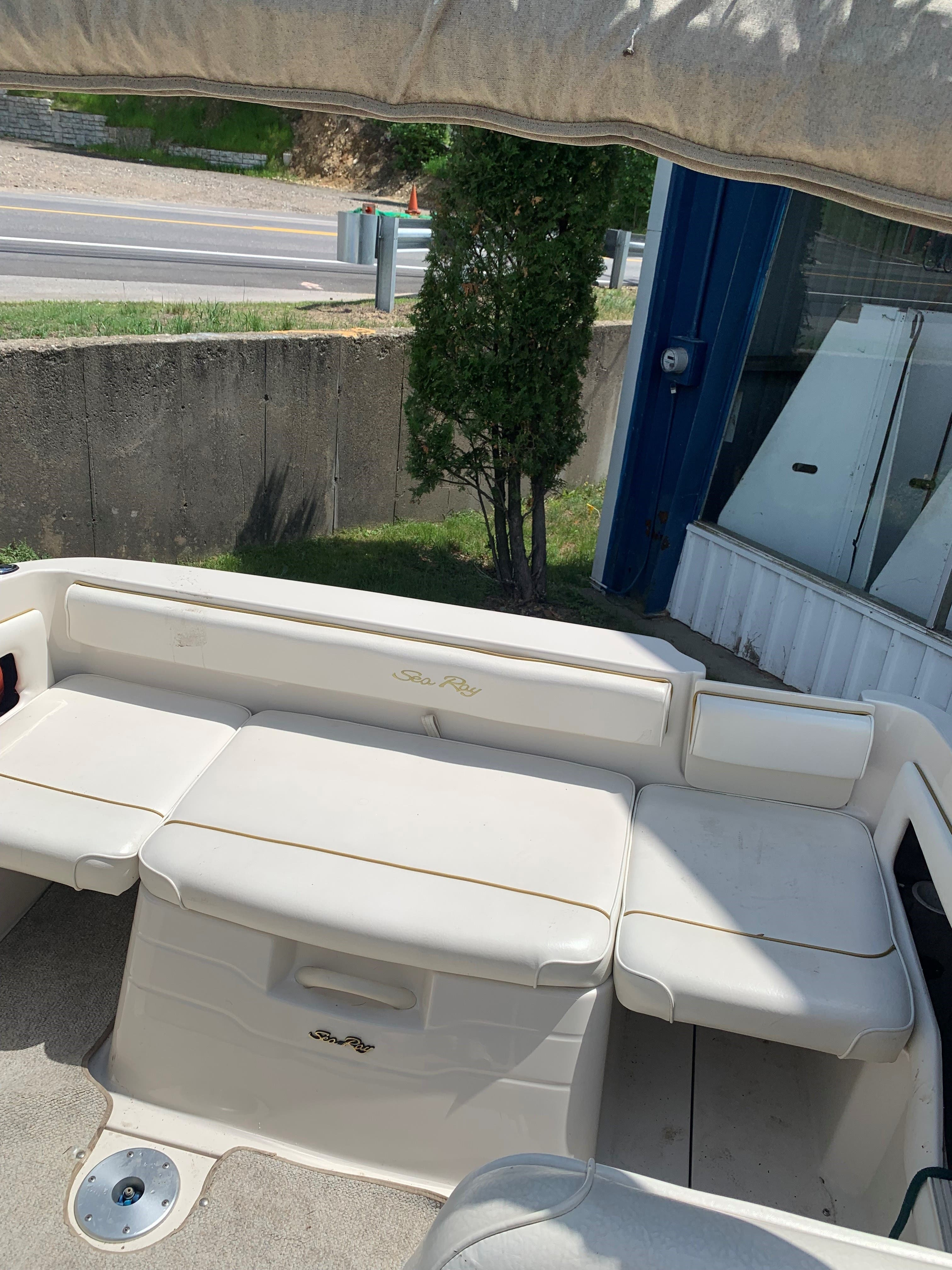 2001 Sea Ray boat for sale, model of the boat is 215EC & Image # 4 of 8
