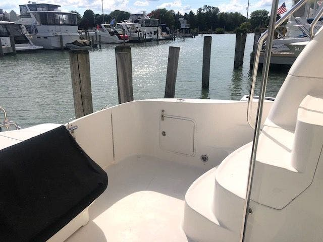 2001 Sea Ray boat for sale, model of the boat is 480SEDANBRIDGE & Image # 3 of 55