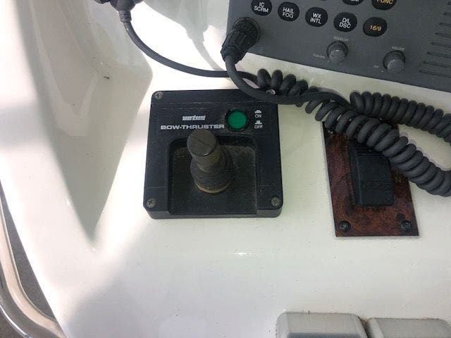 2001 Sea Ray boat for sale, model of the boat is 480SEDANBRIDGE & Image # 20 of 55