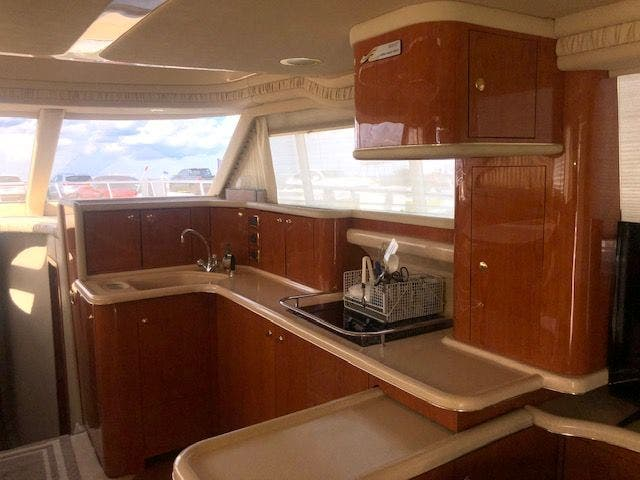 2001 Sea Ray boat for sale, model of the boat is 480SEDANBRIDGE & Image # 21 of 55