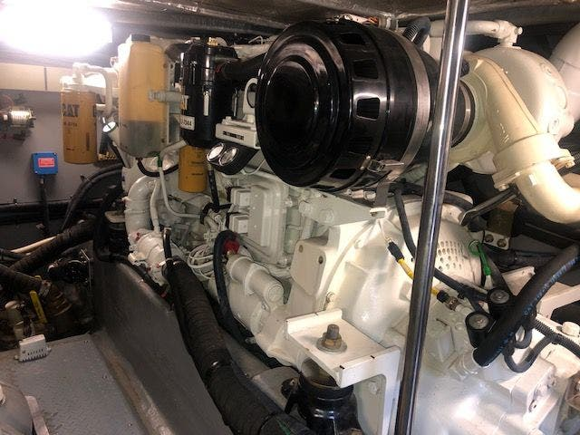 2001 Sea Ray boat for sale, model of the boat is 480SEDANBRIDGE & Image # 48 of 55