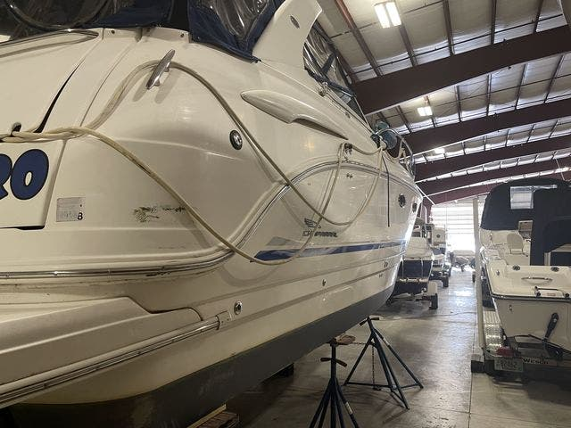 2002 Chaparral boat for sale, model of the boat is 320 SIGNATURE & Image # 3 of 31