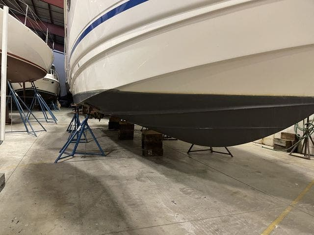 2002 Chaparral boat for sale, model of the boat is 320 SIGNATURE & Image # 4 of 31