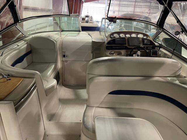 2002 Chaparral boat for sale, model of the boat is 320 SIGNATURE & Image # 8 of 31