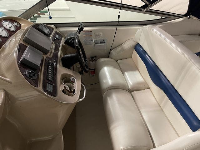 2002 Chaparral boat for sale, model of the boat is 320 SIGNATURE & Image # 10 of 31
