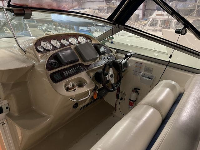 2002 Chaparral boat for sale, model of the boat is 320 SIGNATURE & Image # 11 of 31