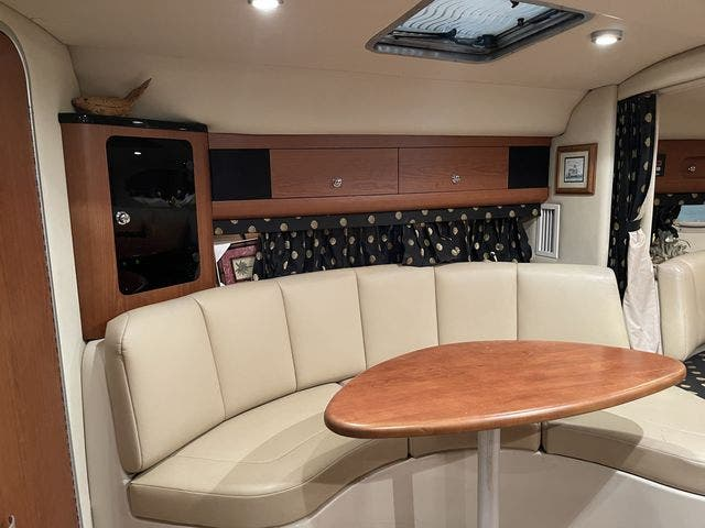 2002 Chaparral boat for sale, model of the boat is 320 SIGNATURE & Image # 15 of 31