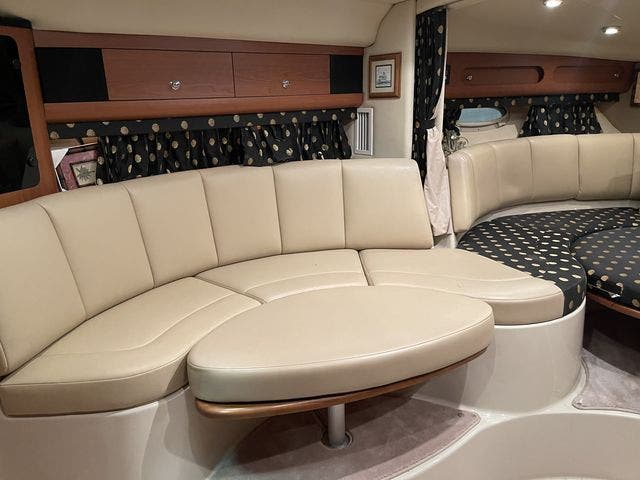 2002 Chaparral boat for sale, model of the boat is 320 SIGNATURE & Image # 16 of 31