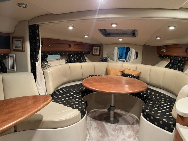 2002 Chaparral boat for sale, model of the boat is 320 SIGNATURE & Image # 17 of 31