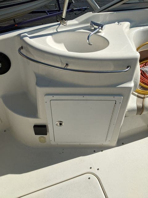 2002 Glastron boat for sale, model of the boat is 279 GS & Image # 6 of 25