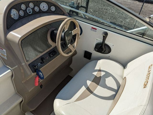2002 Glastron boat for sale, model of the boat is 279 GS & Image # 7 of 25