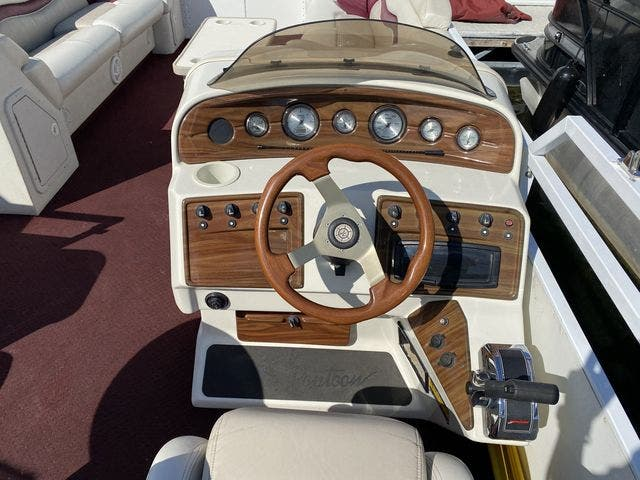 2002 JC boat for sale, model of the boat is 24 SUNTOON & Image # 7 of 8