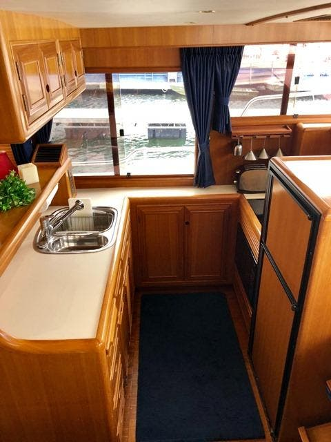 2002 Ocean Alexander boat for sale, model of the boat is 426 & Image # 28 of 49
