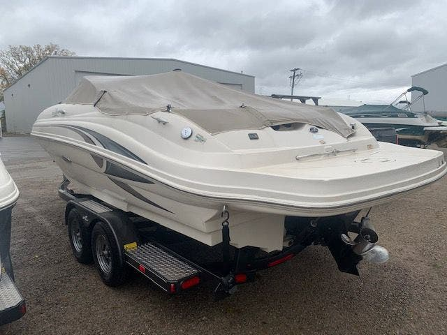 2002 Sea Ray boat for sale, model of the boat is 220 SUNDECK & Image # 3 of 22