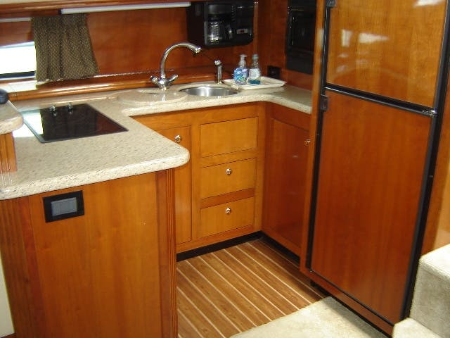 2003 Cruisers Yachts boat for sale, model of the boat is 4050 & Image # 21 of 46