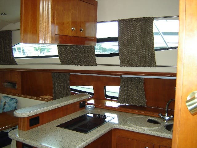 2003 Cruisers Yachts boat for sale, model of the boat is 4050 & Image # 23 of 46