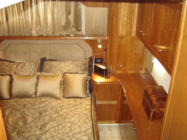 2003 Cruisers Yachts boat for sale, model of the boat is 4050 & Image # 29 of 46