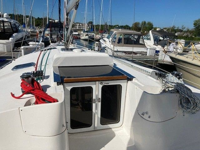 2003 Hunter boat for sale, model of the boat is 44 & Image # 14 of 30