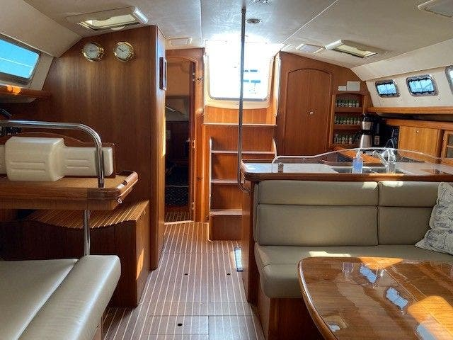 2003 Hunter boat for sale, model of the boat is 44 & Image # 15 of 30