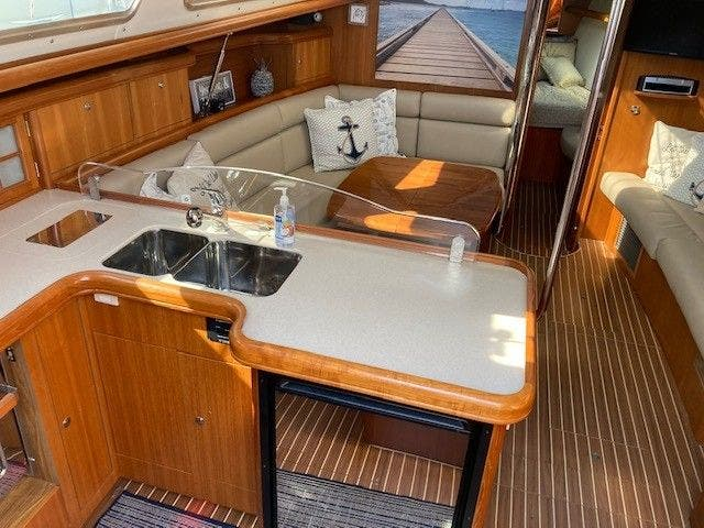 2003 Hunter boat for sale, model of the boat is 44 & Image # 16 of 30