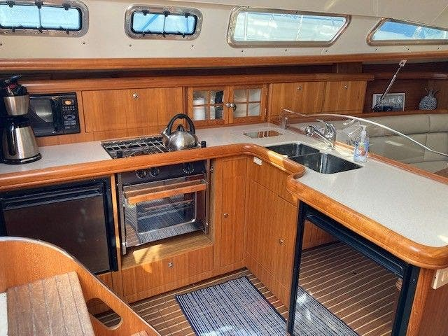 2003 Hunter boat for sale, model of the boat is 44 & Image # 17 of 30