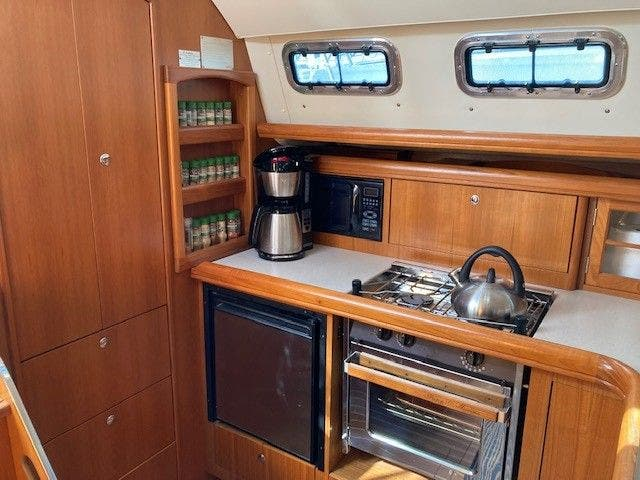 2003 Hunter boat for sale, model of the boat is 44 & Image # 18 of 30
