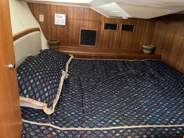 2003 Hunter boat for sale, model of the boat is 44 & Image # 26 of 30