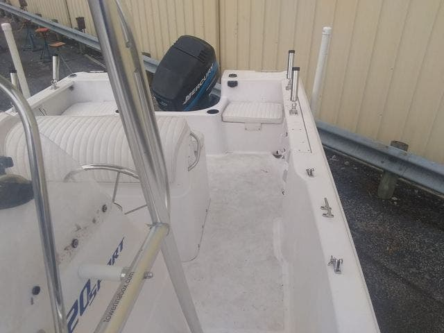 2003 Pro-Line boat for sale, model of the boat is 20 PLC & Image # 9 of 17