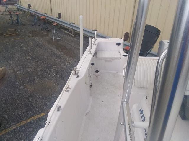 2003 Pro-Line boat for sale, model of the boat is 20 PLC & Image # 10 of 17