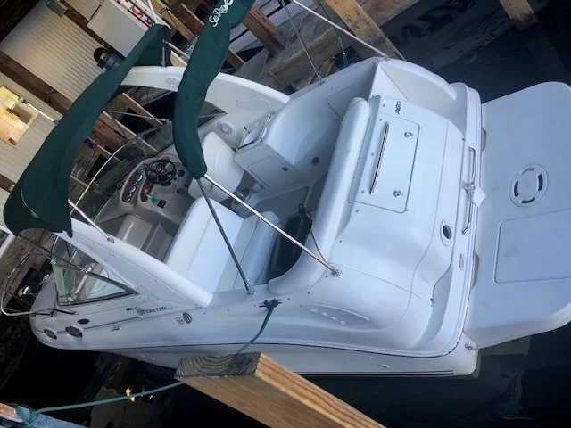 2003 Sea Ray boat for sale, model of the boat is 260da & Image # 3 of 16
