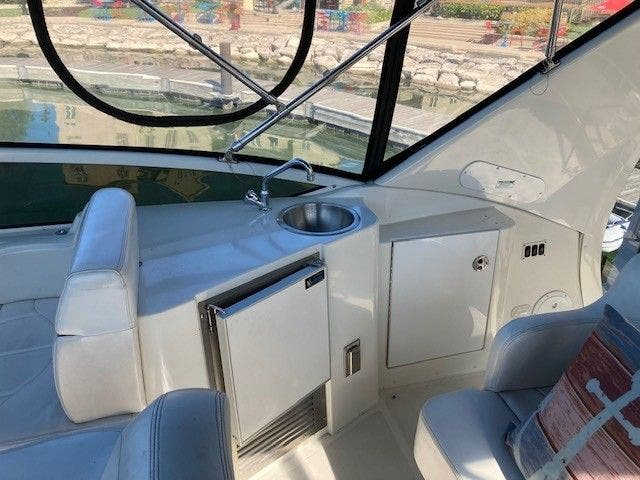 2004 Carver boat for sale, model of the boat is 444CMY & Image # 6 of 29