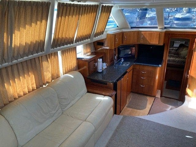 2004 Carver boat for sale, model of the boat is 444CMY & Image # 17 of 29