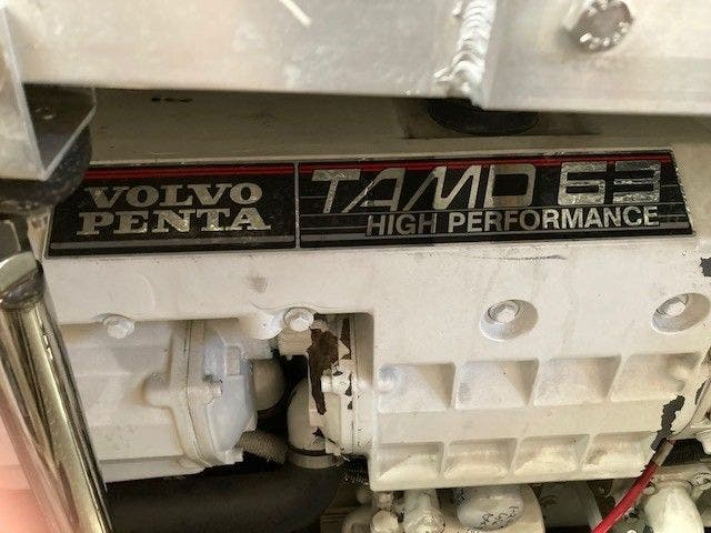 2004 Carver boat for sale, model of the boat is 444CMY & Image # 28 of 29