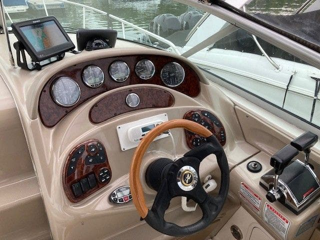 2004 Sea Ray boat for sale, model of the boat is 280 SUNDANCER & Image # 7 of 16