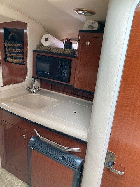 2004 Sea Ray boat for sale, model of the boat is 280 SUNDANCER & Image # 8 of 16