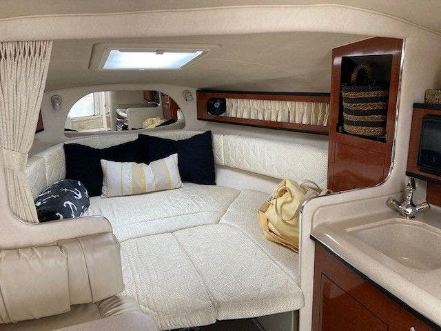 2004 Sea Ray boat for sale, model of the boat is 280 SUNDANCER & Image # 9 of 16