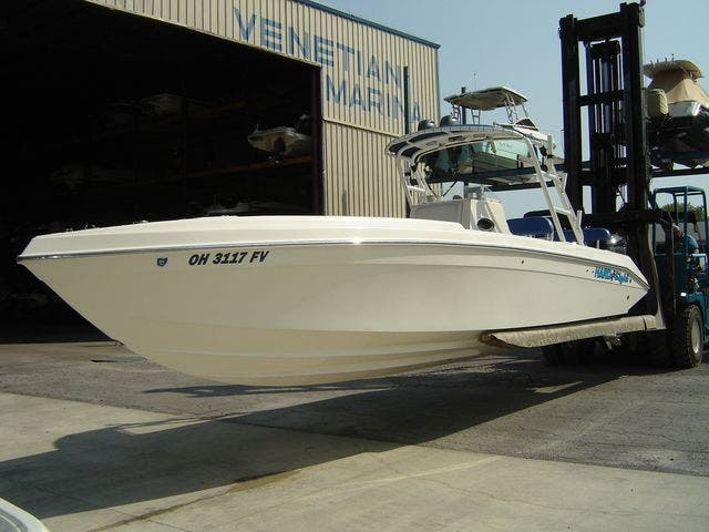 2004 Sonic boat for sale, model of the boat is 31CENTERCONSOLE & Image # 4 of 43