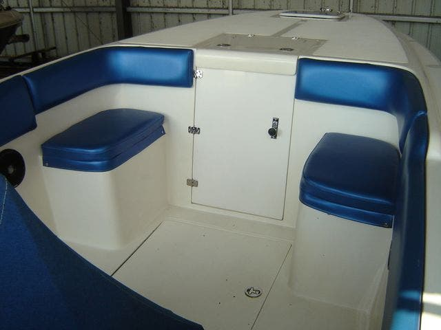 2004 Sonic boat for sale, model of the boat is 31CENTERCONSOLE & Image # 10 of 43