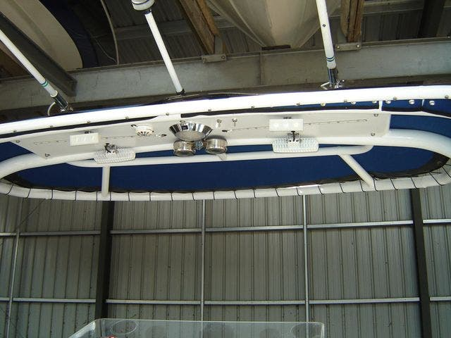 2004 Sonic boat for sale, model of the boat is 31CENTERCONSOLE & Image # 20 of 43