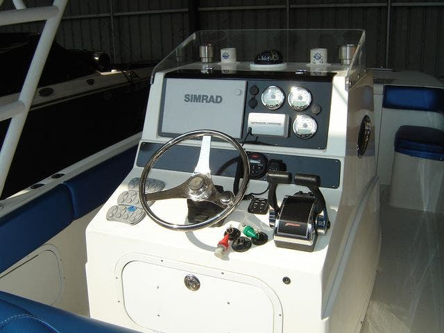2004 Sonic boat for sale, model of the boat is 31CENTERCONSOLE & Image # 23 of 43
