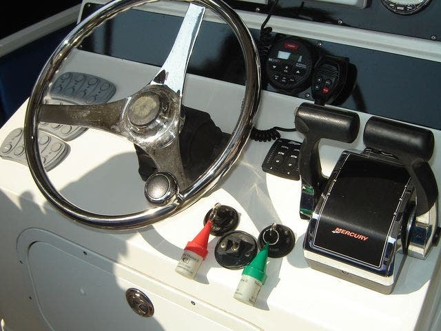 2004 Sonic boat for sale, model of the boat is 31CENTERCONSOLE & Image # 24 of 43