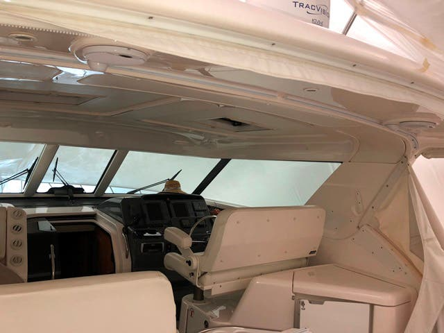 2004 Tiara Yachts boat for sale, model of the boat is 4400 SOVRAN & Image # 7 of 95