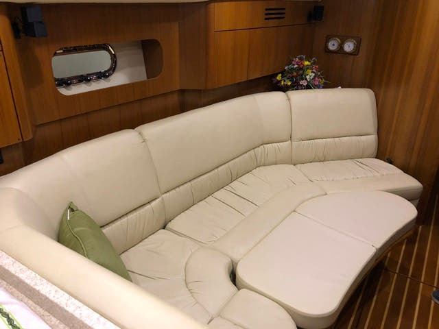 2004 Tiara Yachts boat for sale, model of the boat is 4400 SOVRAN & Image # 29 of 95