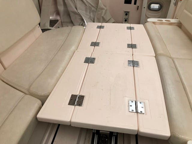 2004 Tiara Yachts boat for sale, model of the boat is 4400 SOVRAN & Image # 81 of 95
