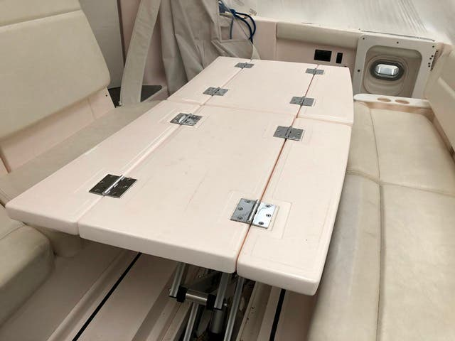 2004 Tiara Yachts boat for sale, model of the boat is 4400 SOVRAN & Image # 82 of 95